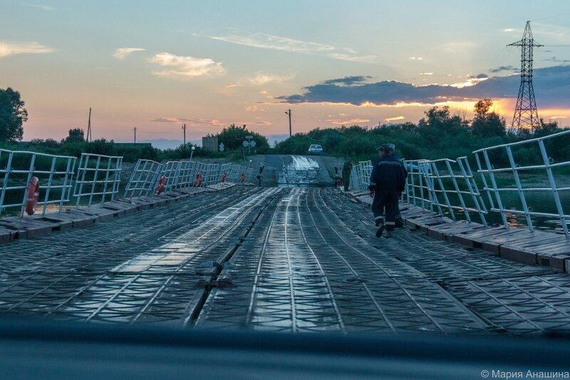 Троицкий понтонный мост через Оку