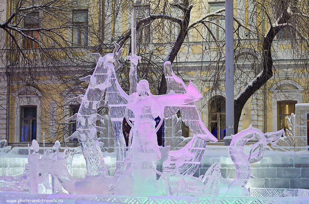 Фото 8. Горгулия.  Ледяной городок в Екатеринбурге на площади 1905 года