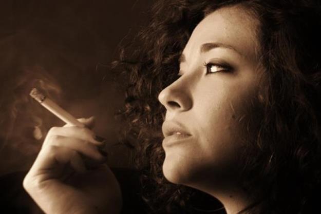 «Догорает светляк сигареты…»