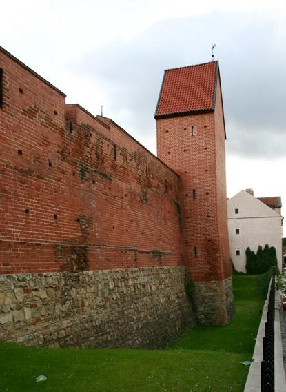 крепостная стена, улица Торня в Старой Риге