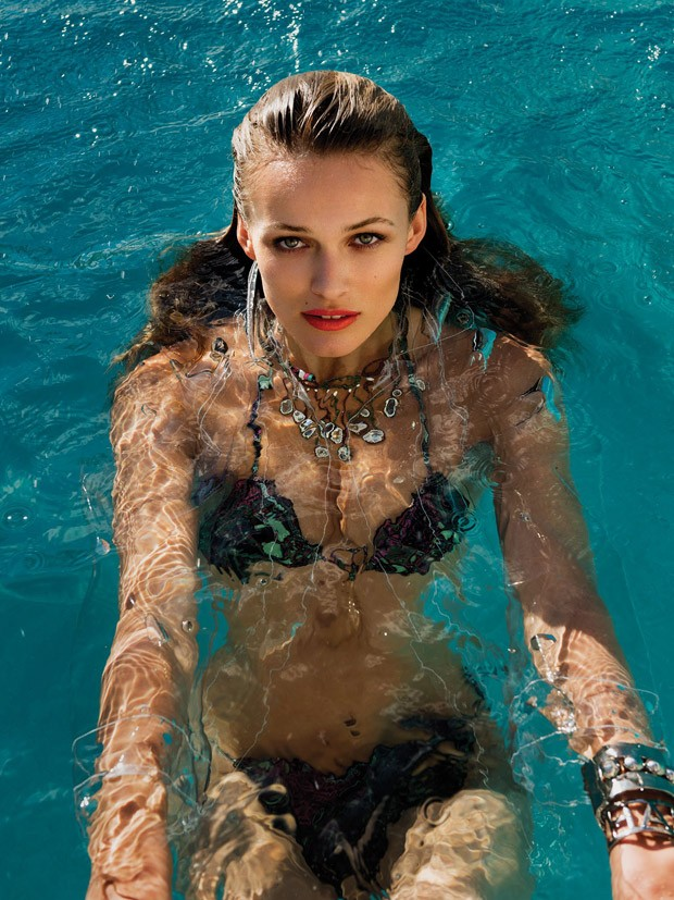 Edita-Vilkevichute-Edita-Vilkeviciute-v-zhurnale-Vogue-Mexico-12-foto