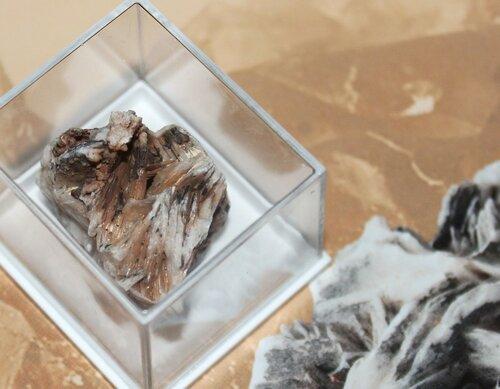 Минералы Сокровища Земли №76 - Барит