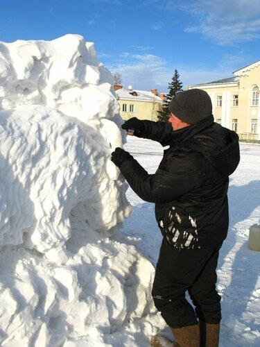 Строят городок в Куйбышеве,