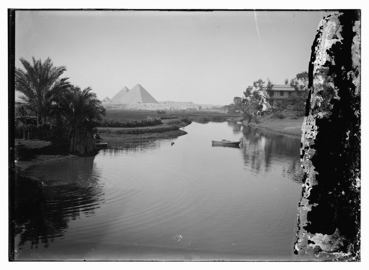 Вид на Пирамиды с Нила