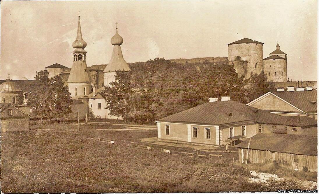 Вид с Никольской церковью и Успенским собором