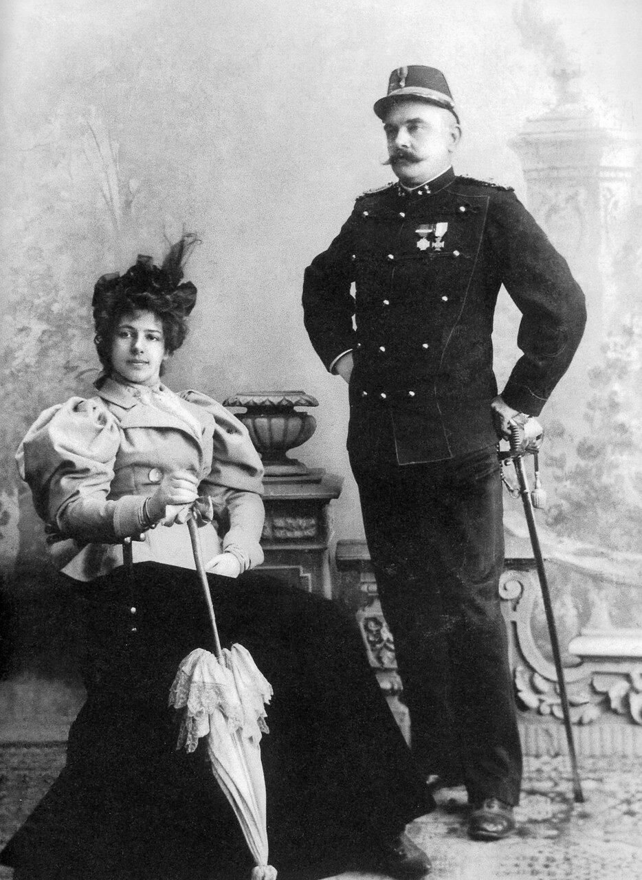 1897. Маргарита Гертруда Целле и ее муж, капитан голландской армии Рудольф Маклеод