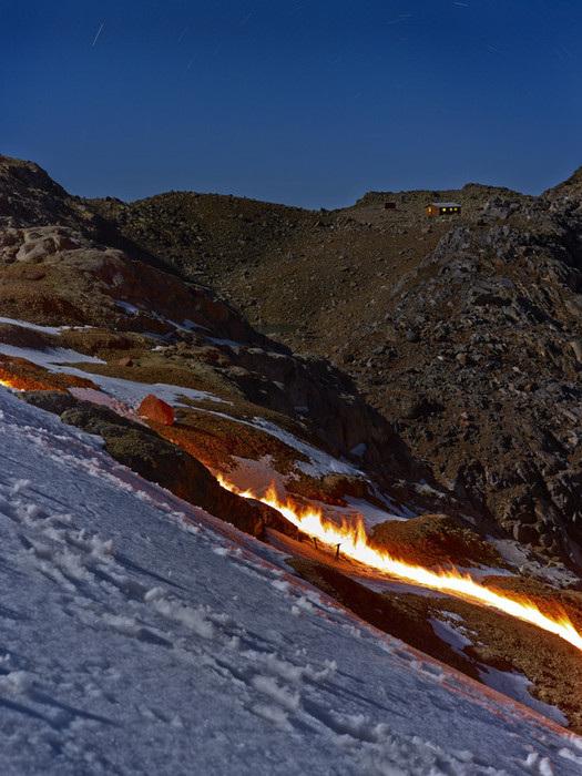 Ring of fire, Simon Norfolk80.jpg