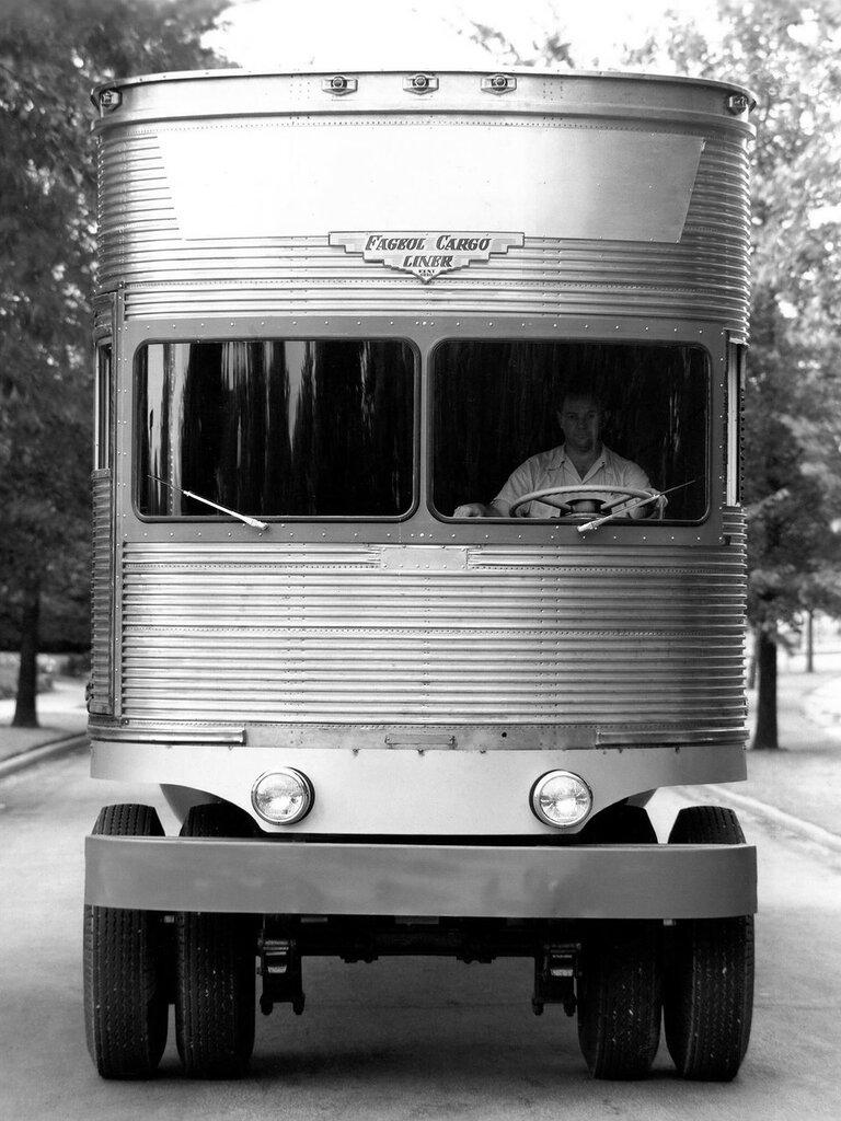 Fageol TC CargoLiner '1950 5.jpg