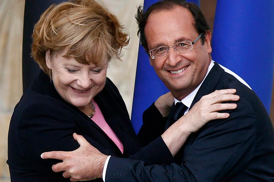 Меркель и Олланд.png