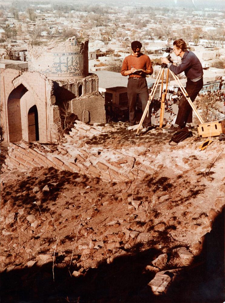 1960. Археологи в Туркмении