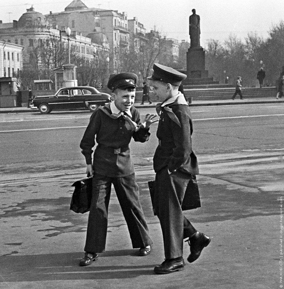 Московские школьники, 1963