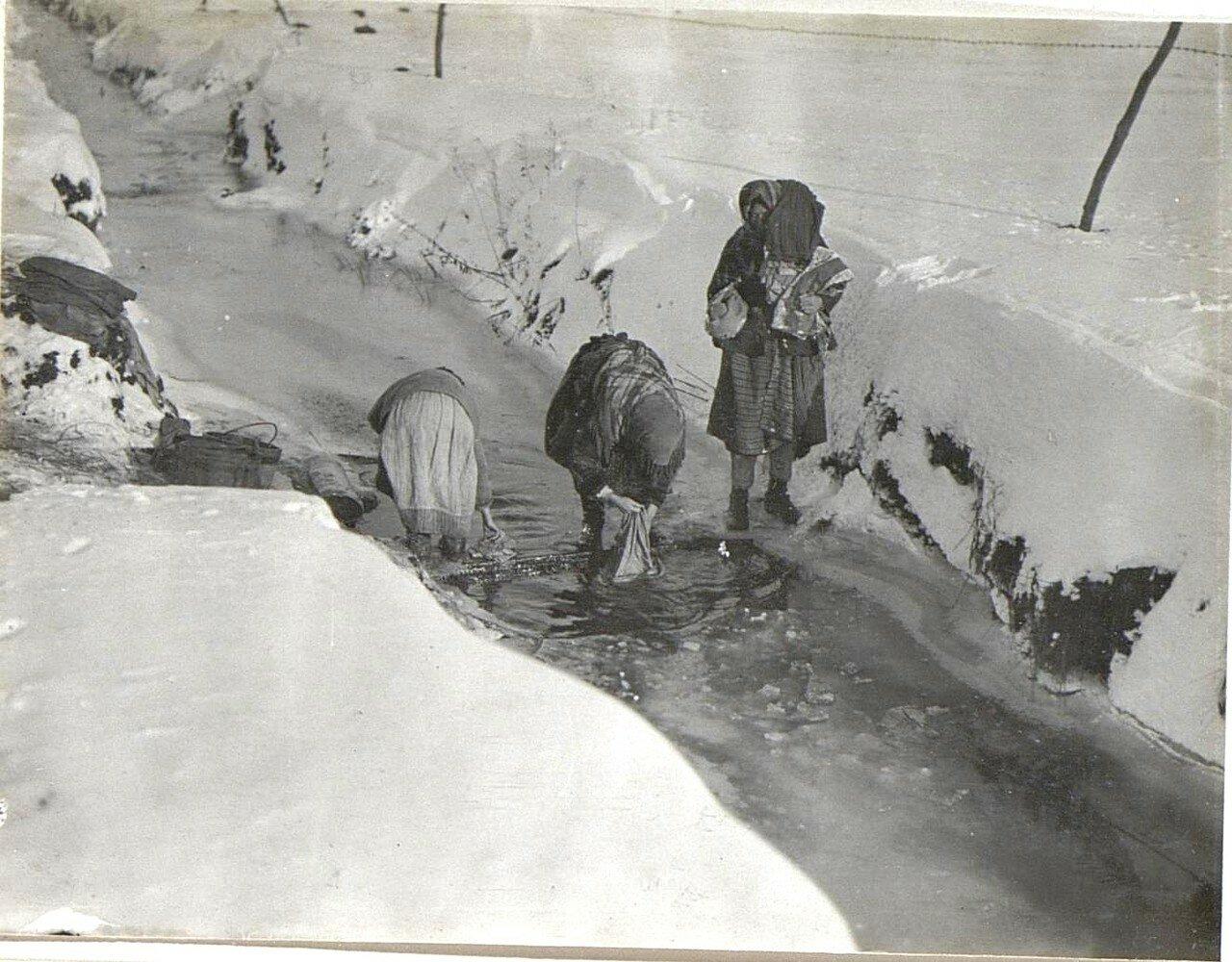 Крученица. Стирка в снег и мороз