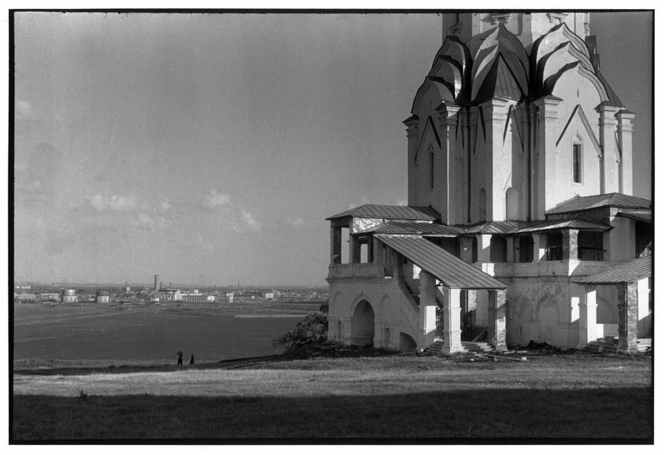 1954. Неустановленное место. Церковь