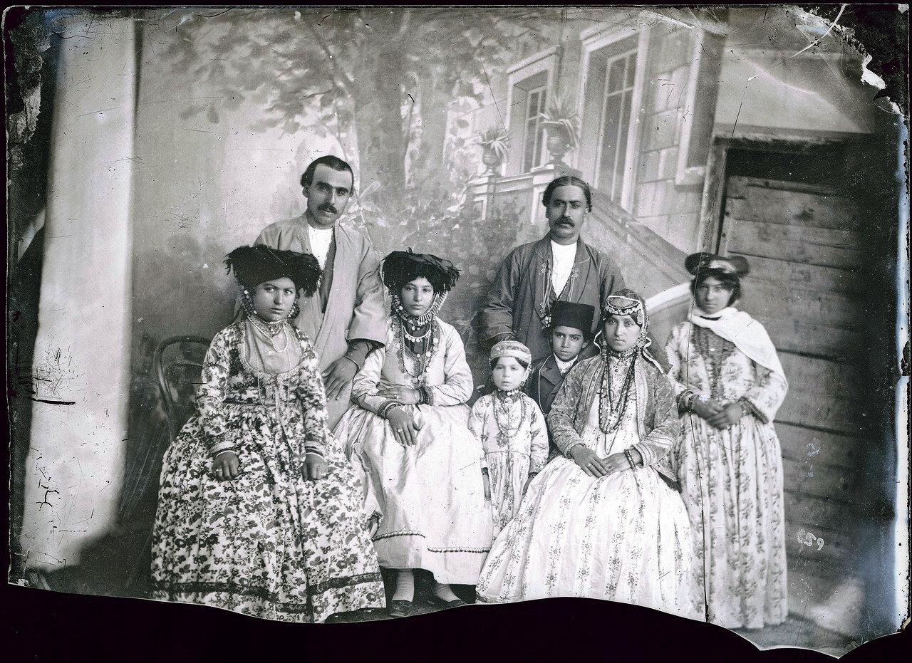 Семья несторианцев