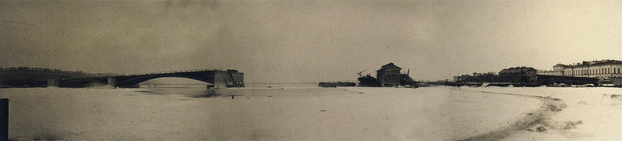Панорама строительства Литейного моста.Подготовительные работы для двух пролетов с Выборгской стороны,19 февраля 1879