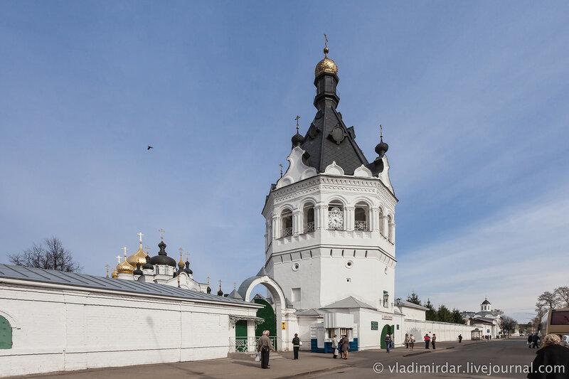 Башня-звонница. Богоявленско-Анастасиин женский монастырь. Кострома.