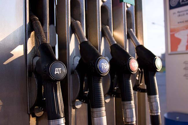 Две молдавские компании объявили о снижение цены на топливо