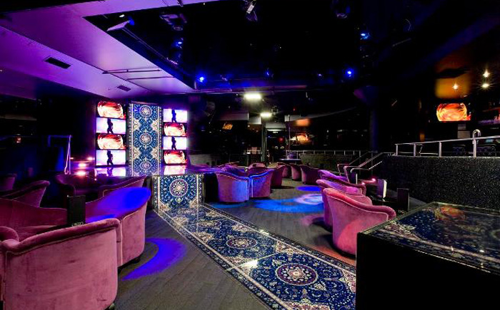 Стриптиз клубы массаж амнезия оренбург ночной клуб
