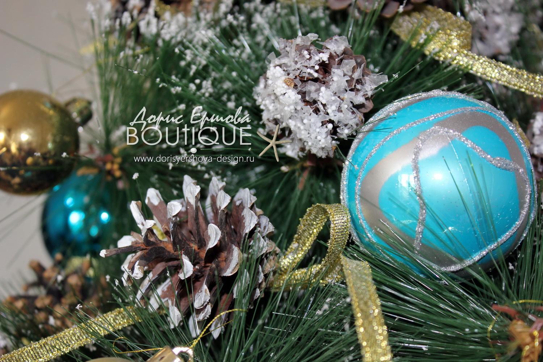 елка, декор елки в синих и бирюзовых тонах, шишки, ленты
