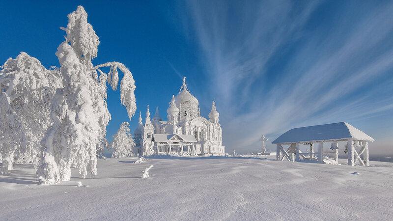 храм зимой