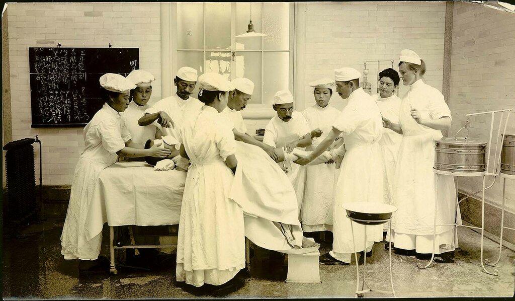 Американские медсестры в японском госпитале и другие фото