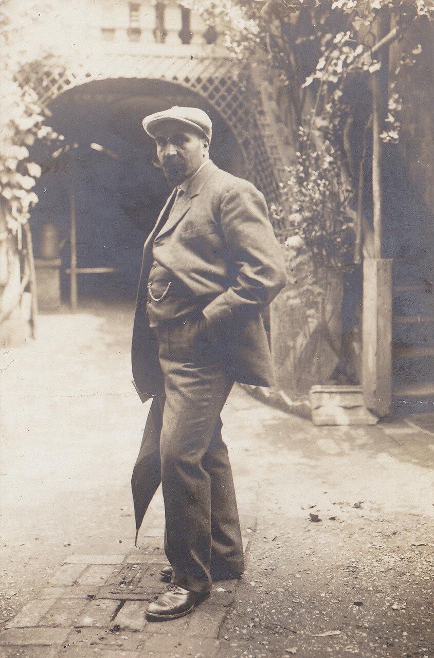 Армянский художник Фанос Погосович Терлемезян
