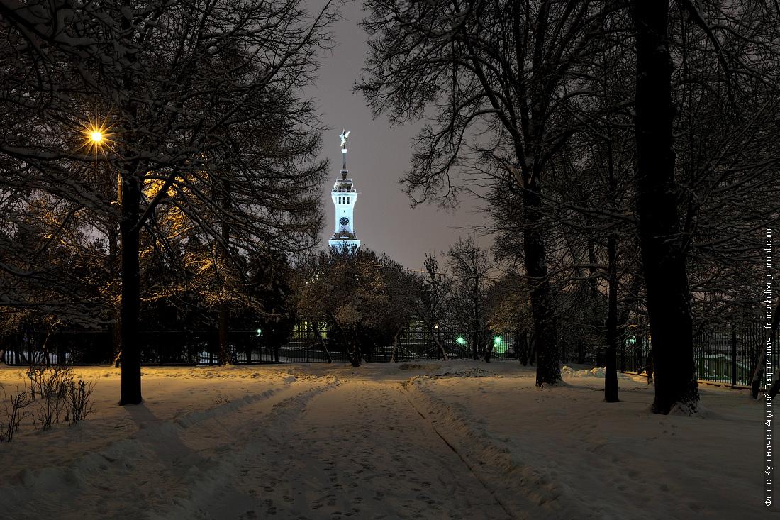ночь фото парк СРВ здание Северного речного вокзала