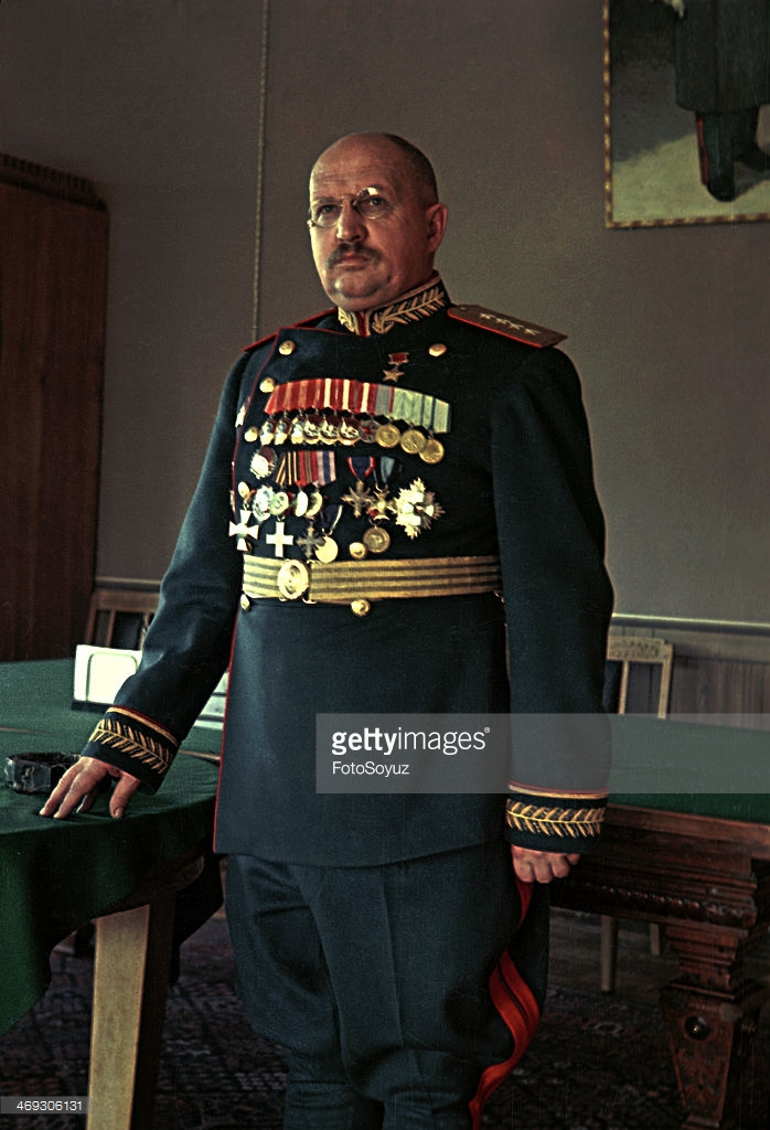 1945 General I Petrov фотограф Марк Редькин.jpg