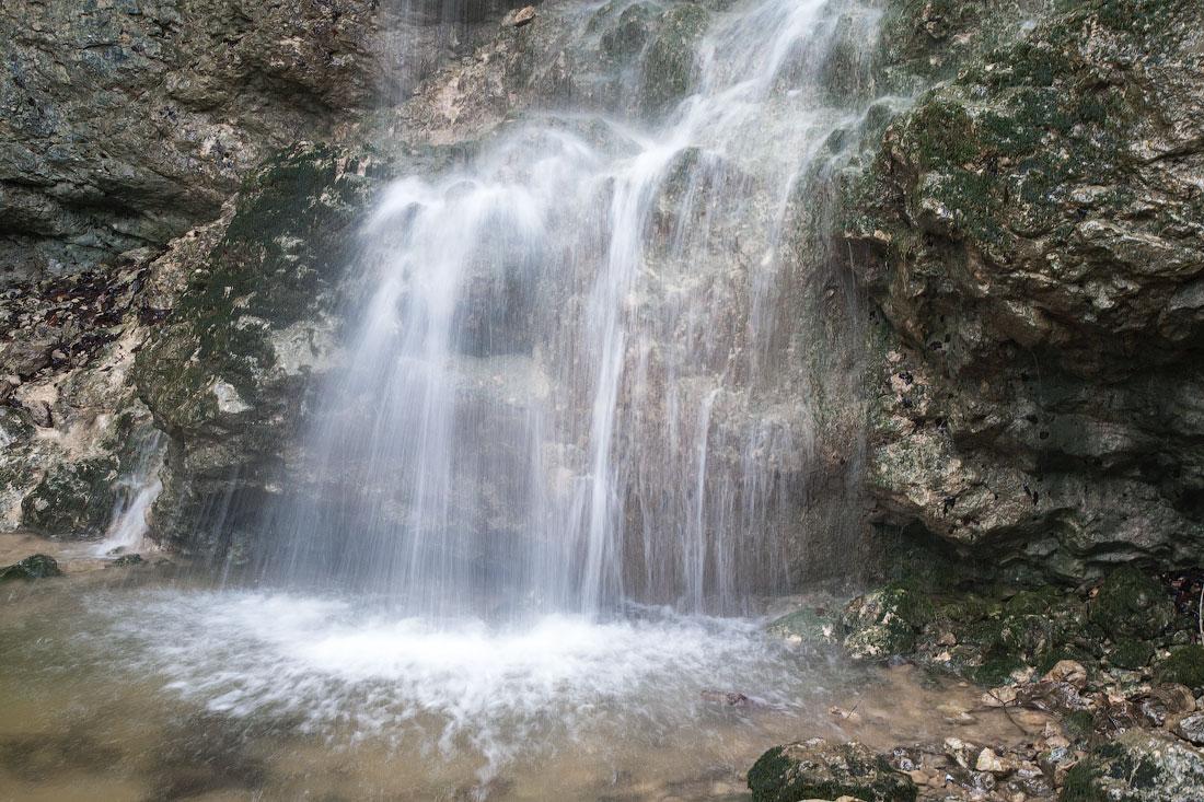 Суаткан - выбрасывающий воду...