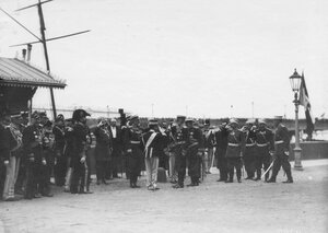 Встреча итальянского короля Виктора Эммануила III на пристани на Английской набережной.