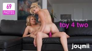 Журнал Журнал Joymii - 2011-11-05 - Heather S & Tegan S - toy 4 two