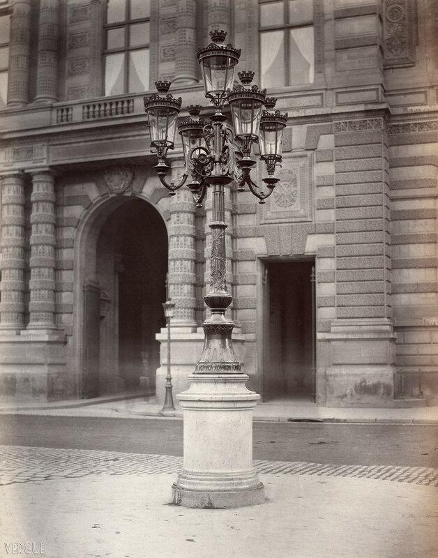 Газовый фонарь на Пляс дю Пале́-Руая́ль. 1877