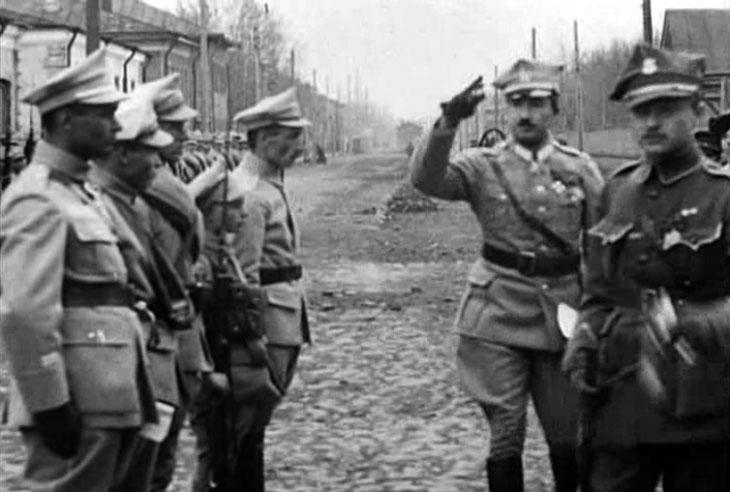arkhangelsk_1919_pol_parade_5.jpg
