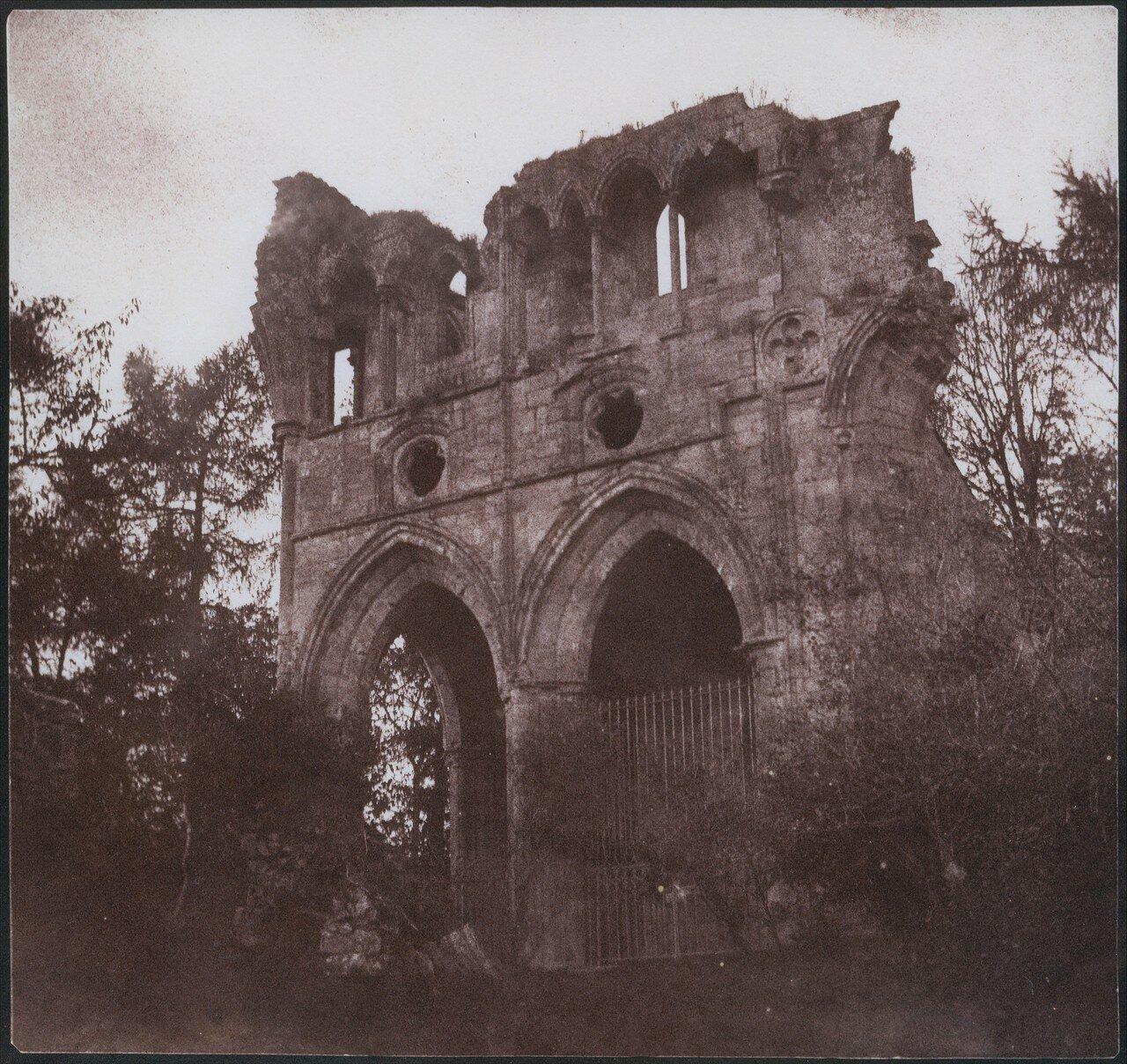 1844. Могила сэра Вальтера Скотта в аббатстве Драйберг