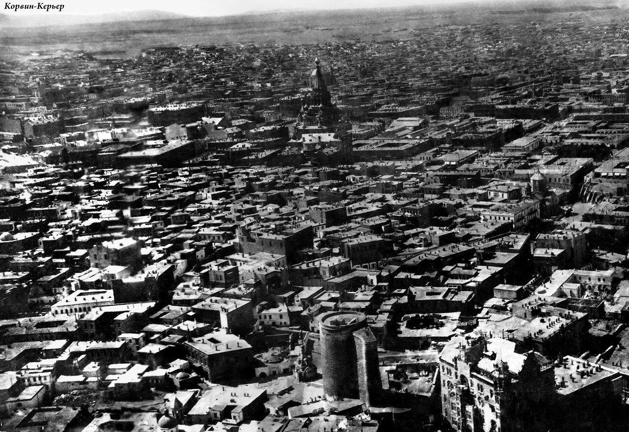 Аэрофотосъемка Девичьей башни и Думы