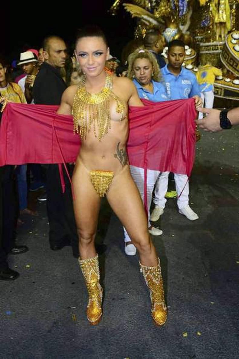 Голые звезды бразильского карнавала