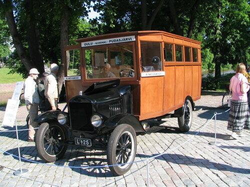 15 автобус на базе знаменитого Форда Т..jpg