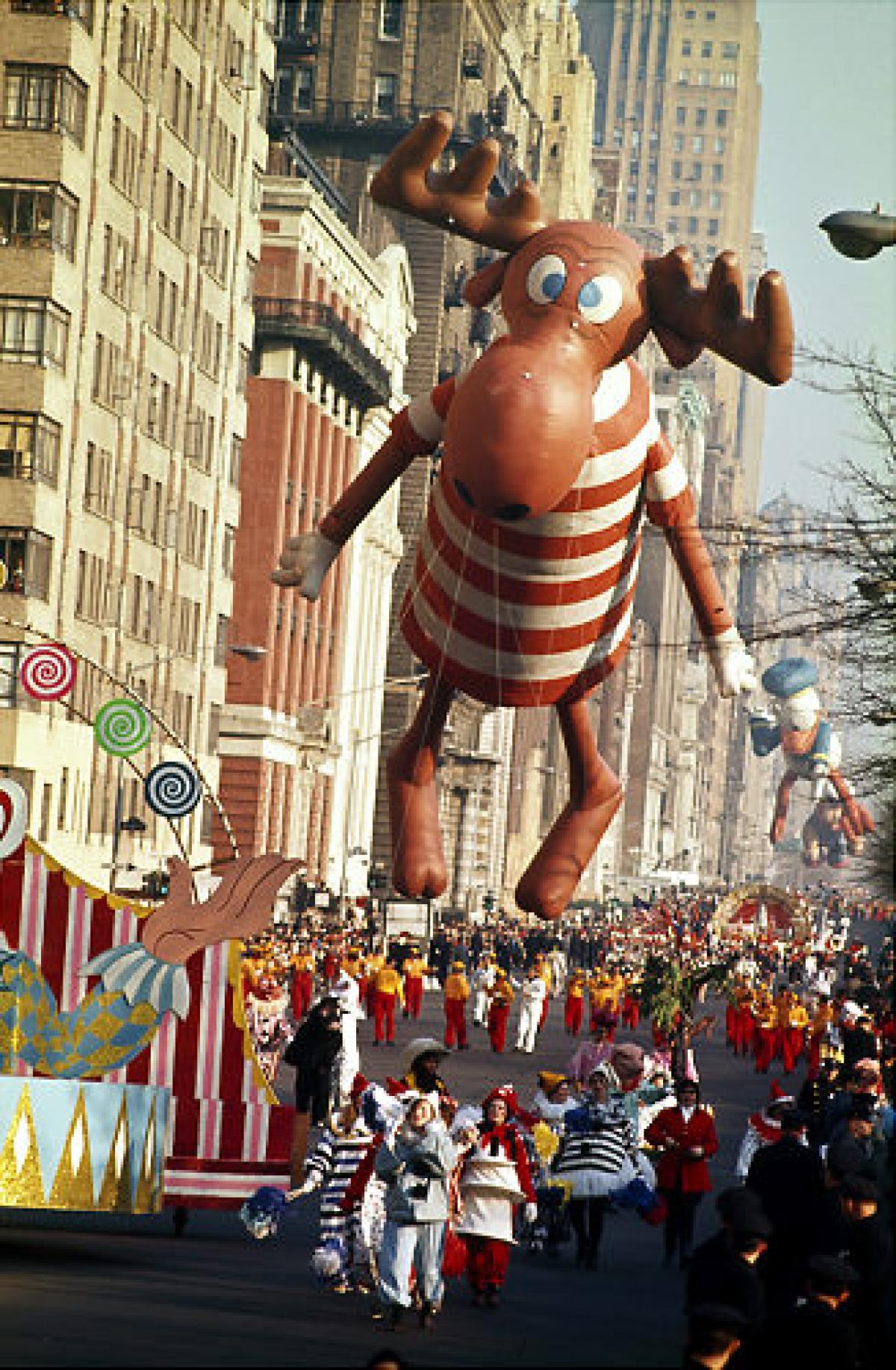 Everyone loves a parade1_1280.jpg
