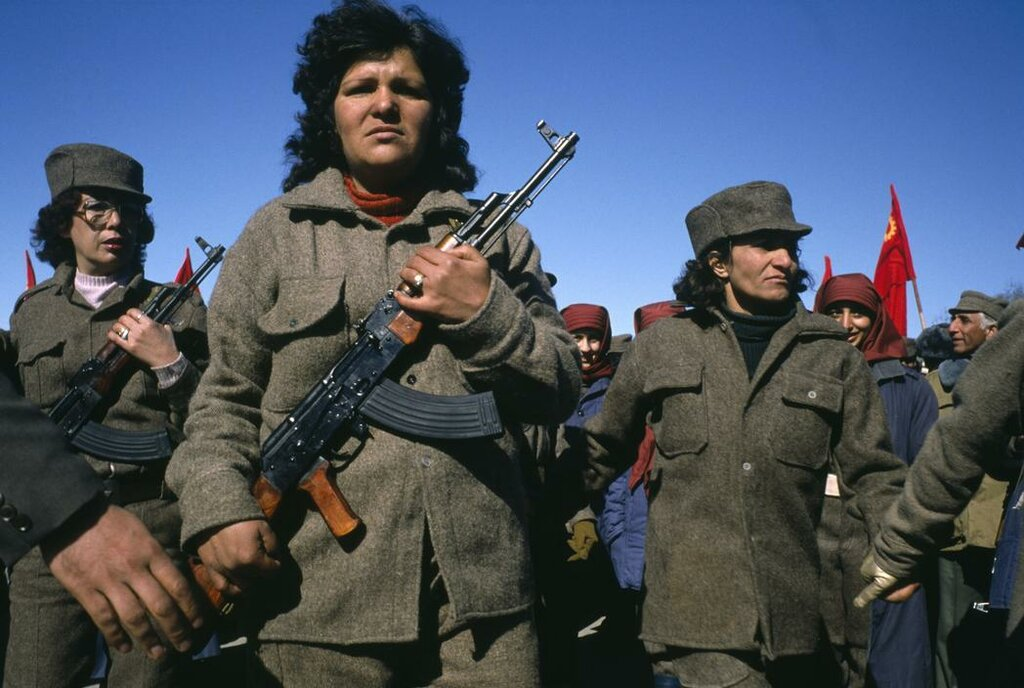 1989 Kabul Women soldiers in militant groups participate in a support rally of the PDPA.jpg