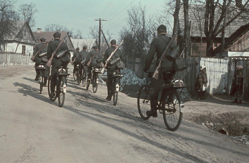 Radfahrertruppe, 1941 - German bicycle troops / WWII / 1941 -