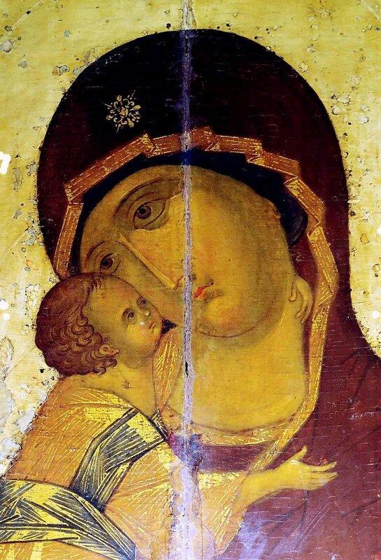 Владимирская икона Божией Матери. XV век. Фрагмент.