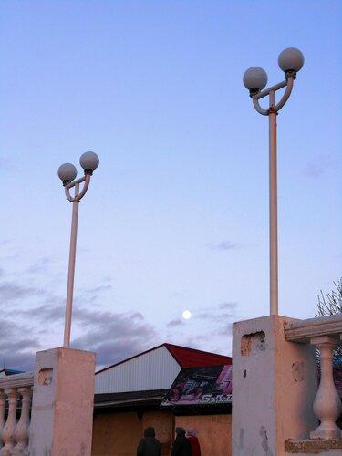Небо, светильники, Луна...DSCN2887.JPG
