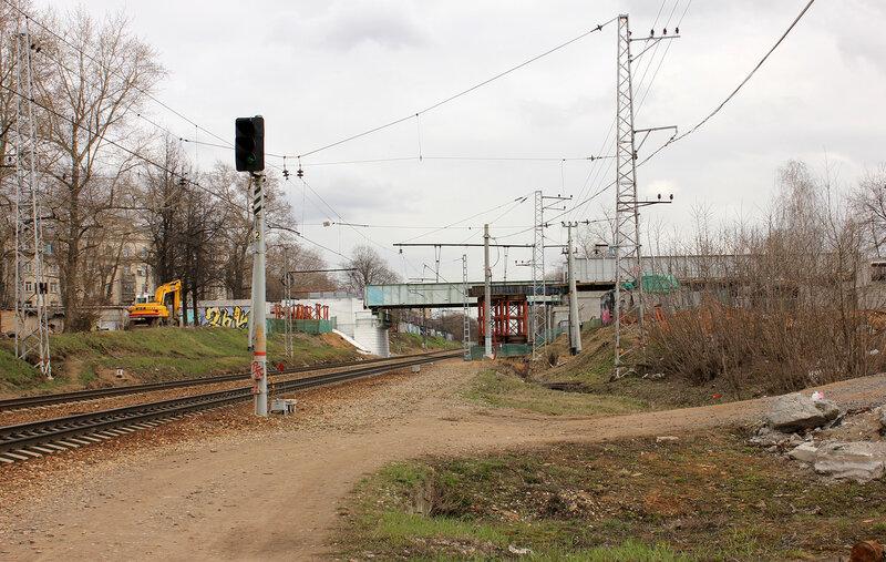 Мосты МОЖД над Рижкой, вид на Рижский вокзал