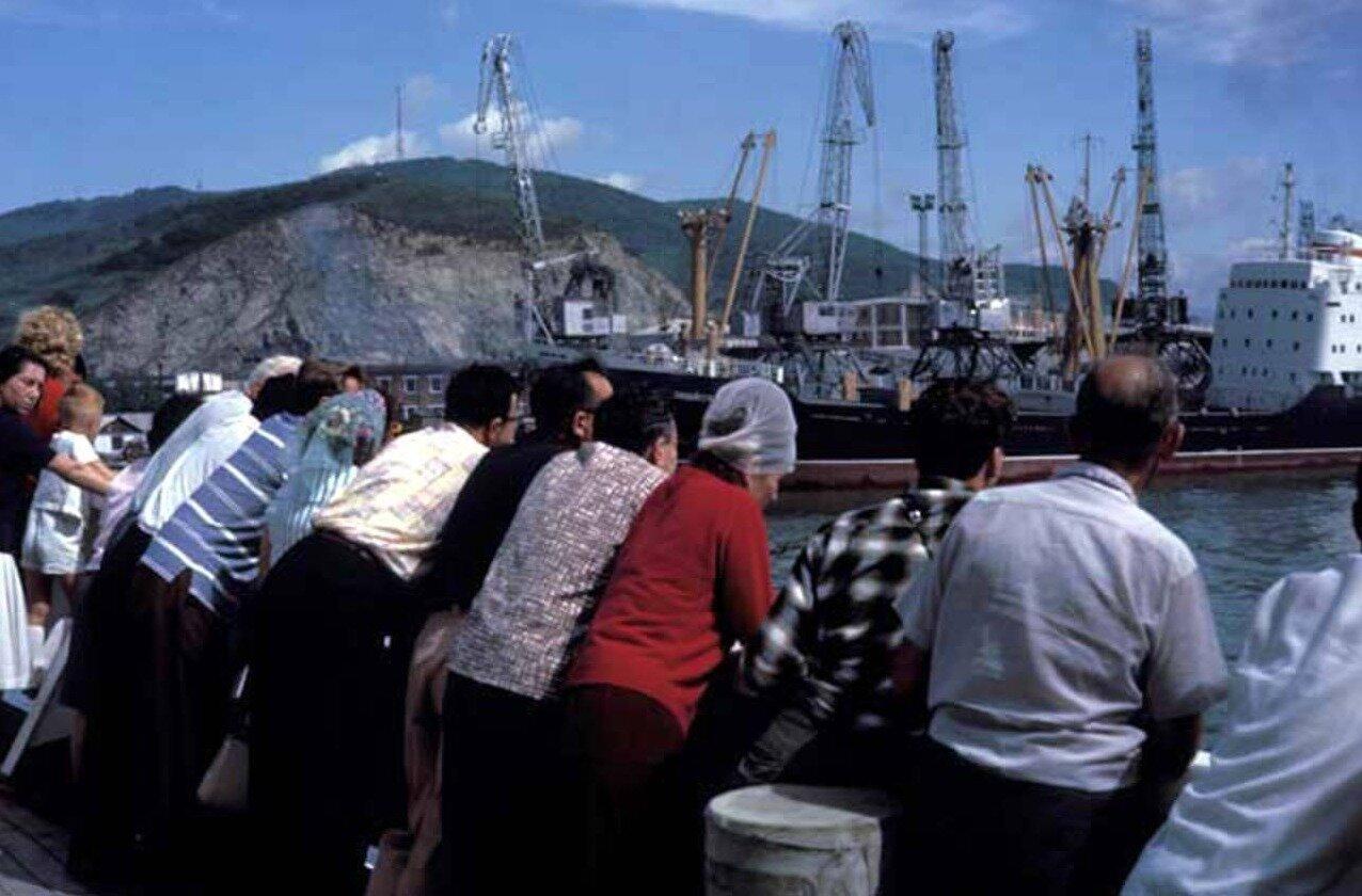 Портовые краны в порту Находки