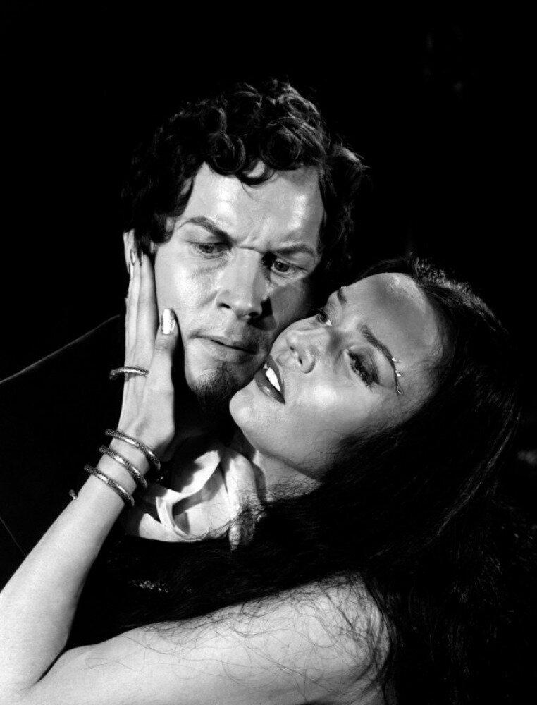 1951. Роберт Раунсевилл and Людмила Черина в «Сказках Гофмана»