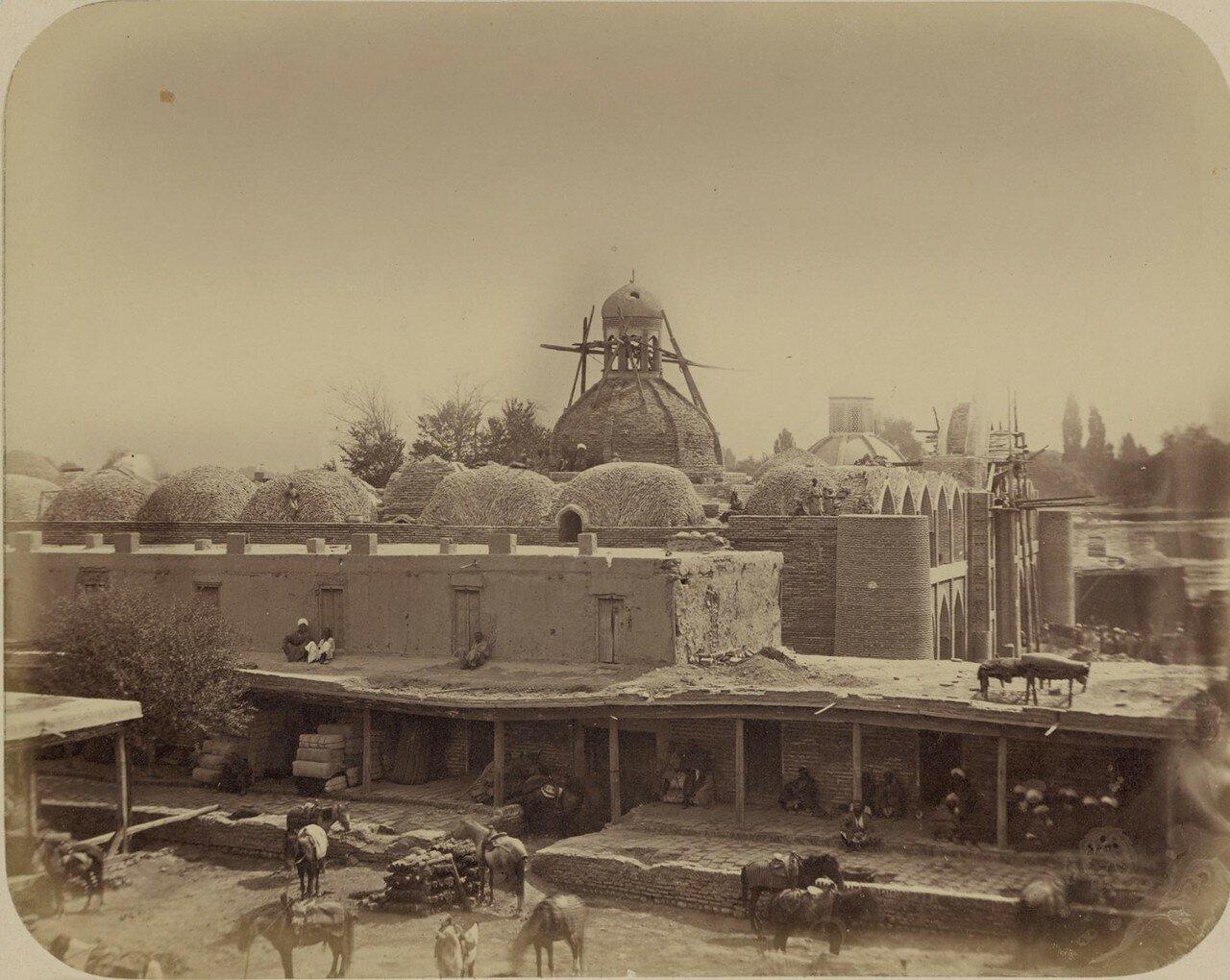 Строящееся медресе султана Мурат-бека