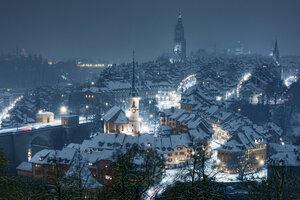 Ночной Берн в снегу