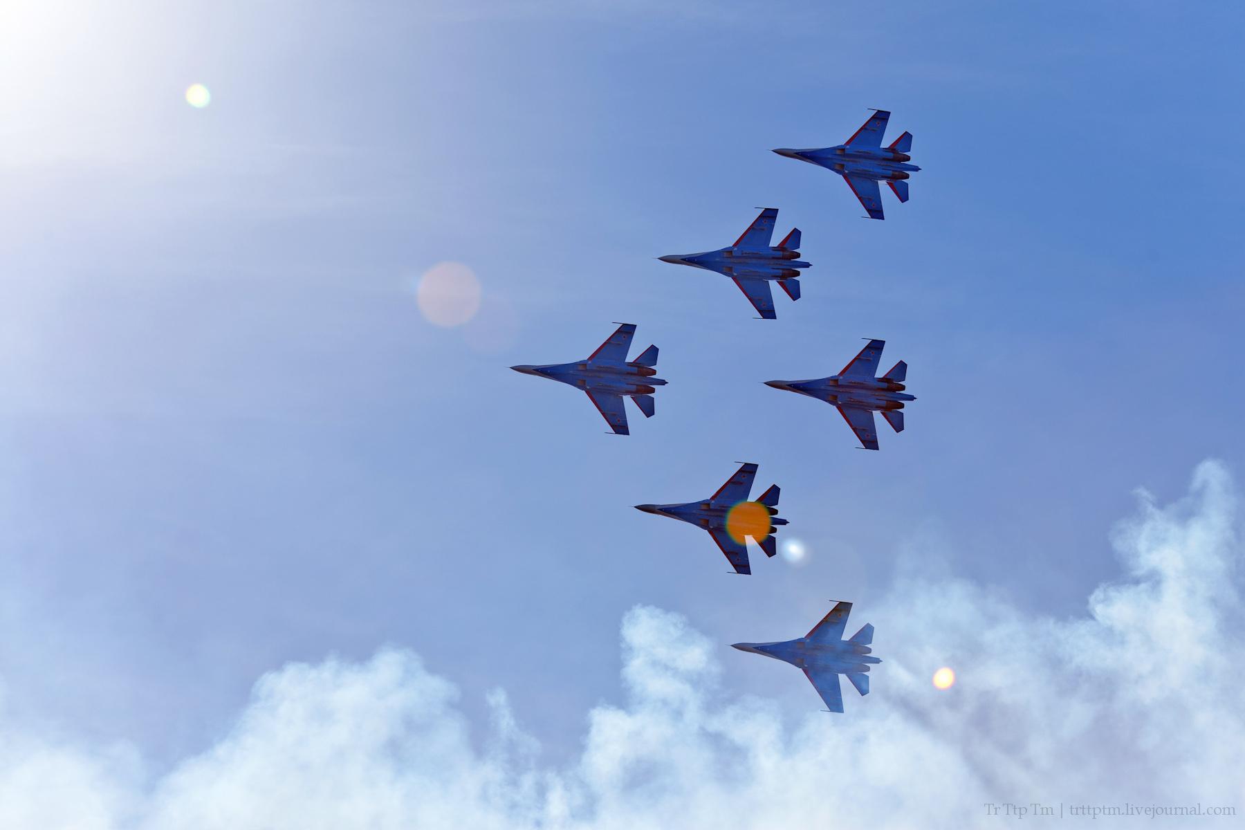 1. Военная авиация над Маркизовой лужей.