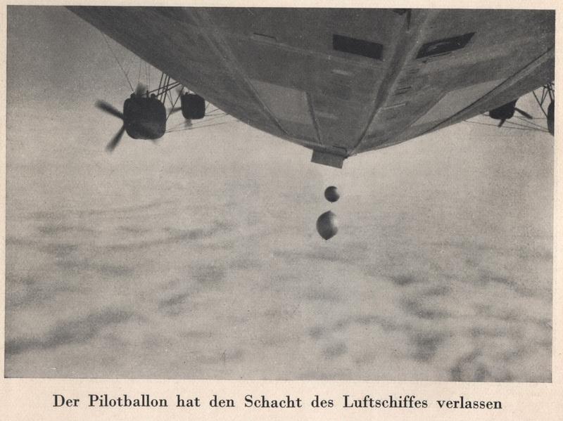 1931-07-28 11.10 40 сброс радиозонда Молчанова - официальный фотосет Zeppelin 2.jpg