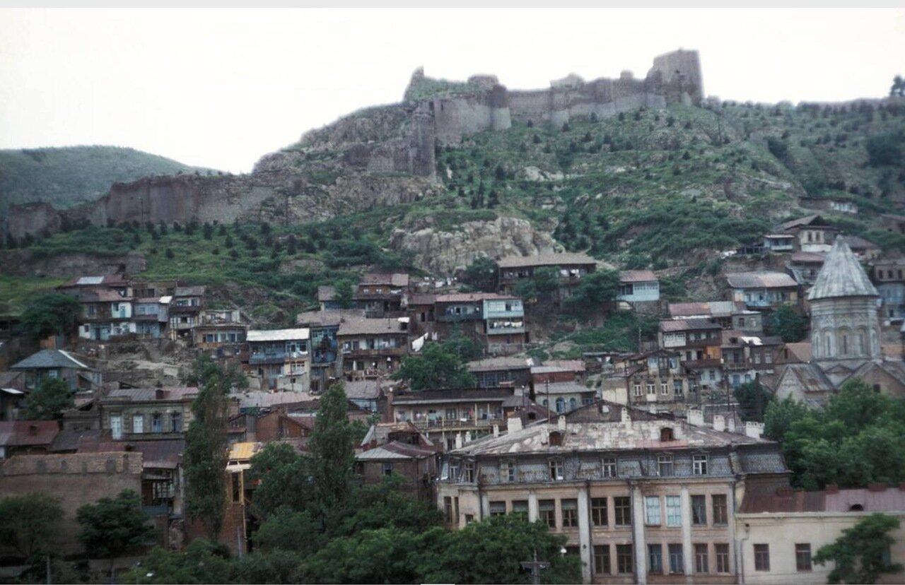 Тбилиси. Вид на город и крепость Нарикала